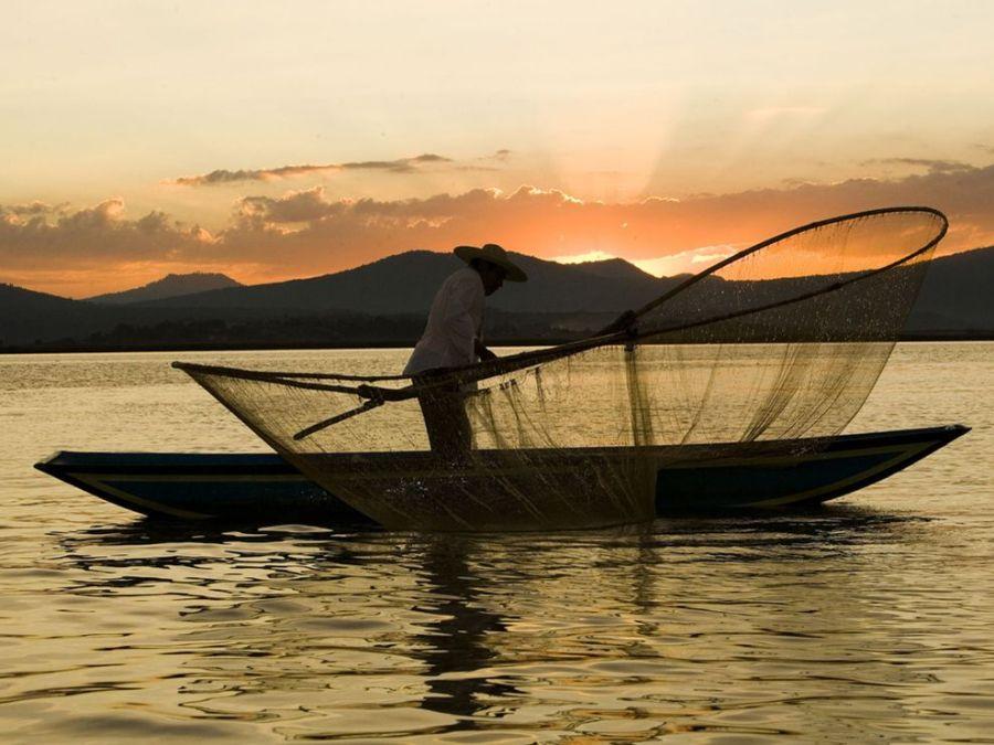 fisherman-mexico_3570_990x742